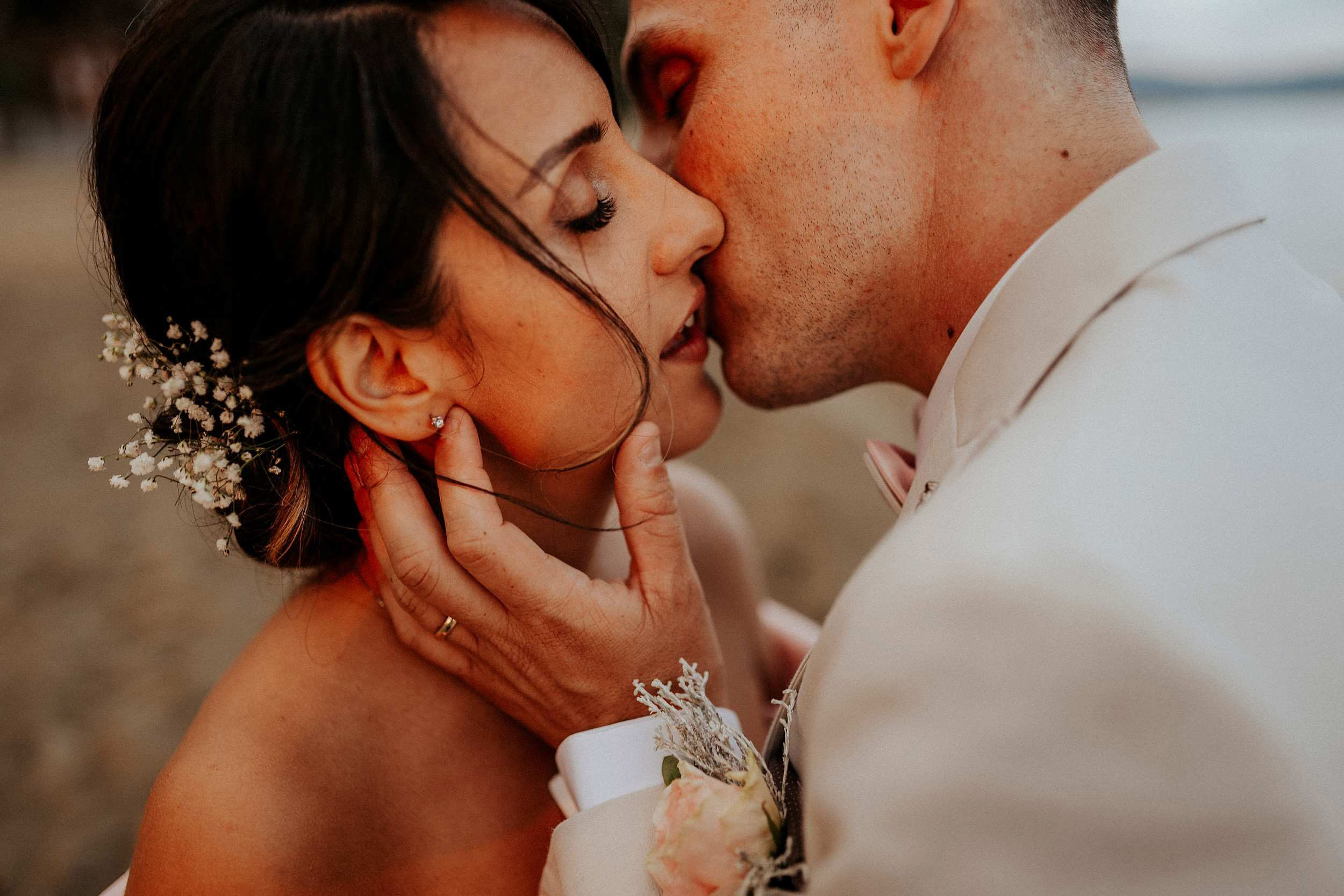 intimate wedding photographer in tuscany