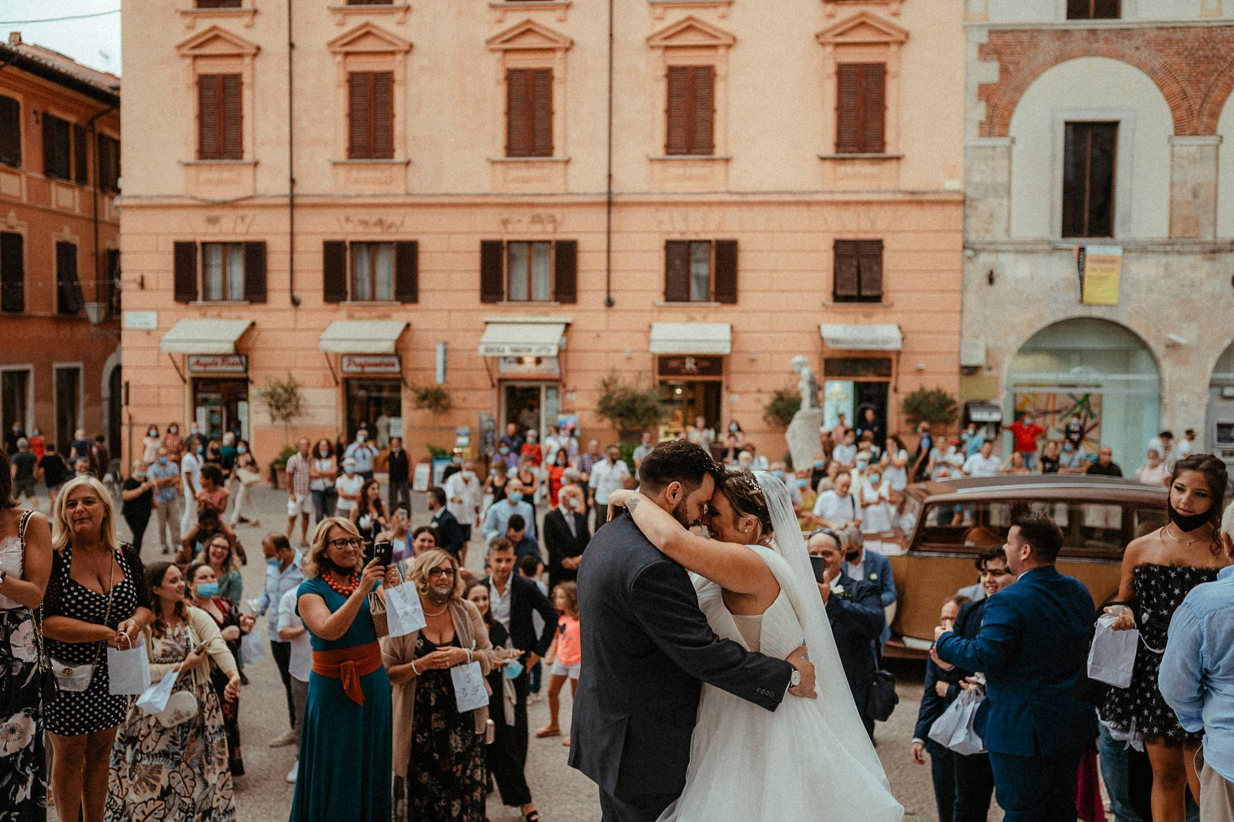 lancio del riso matrimonio a Pietrasanta