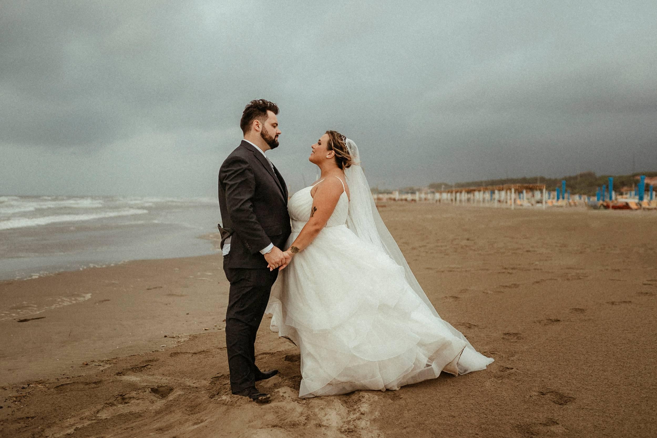 sessione di coppia matrimonio in spiaggia